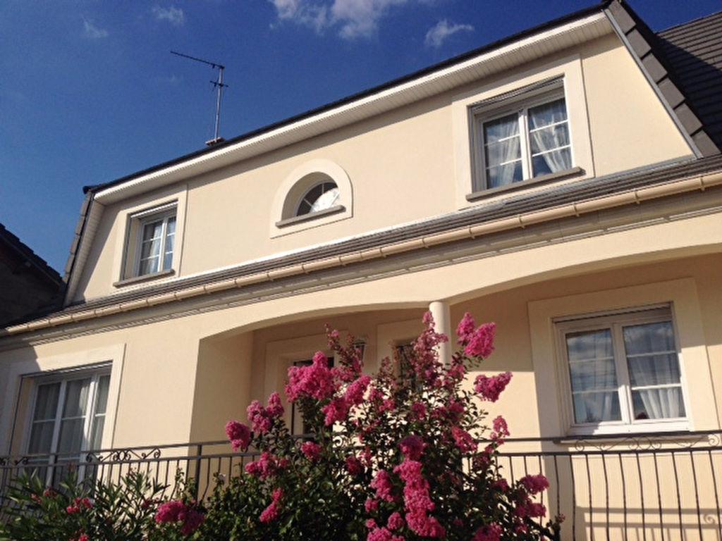 Aulnay-sous-bois - Tour Eiffel - Maison 7 pièces 150 m2