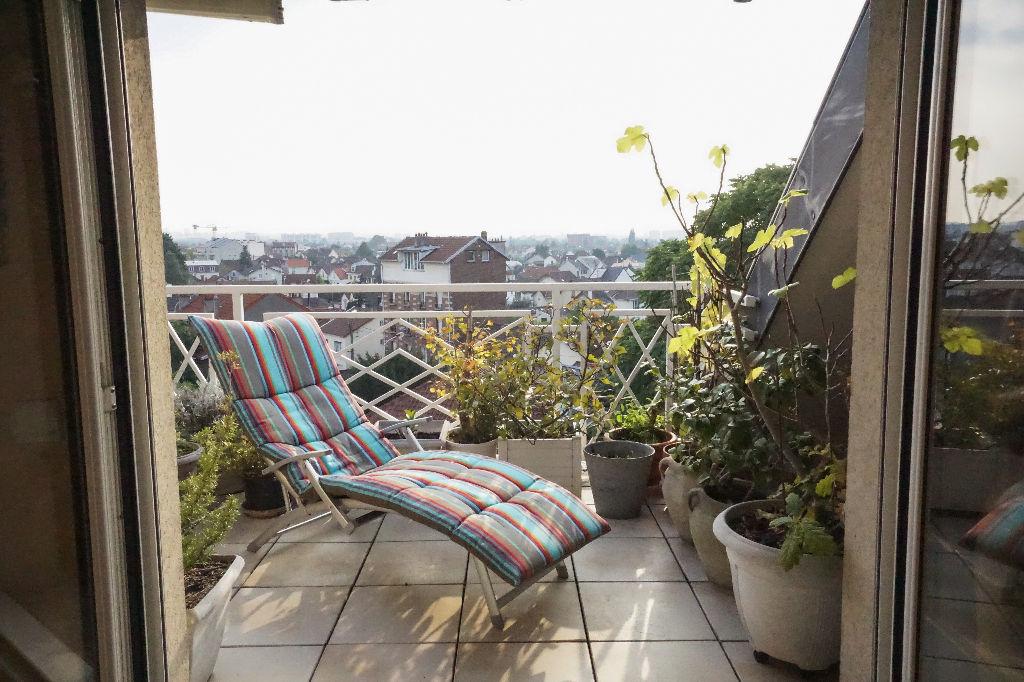 Aulnay Sous Bois- Gare- Appartement  4 pièce(s) 129 m2