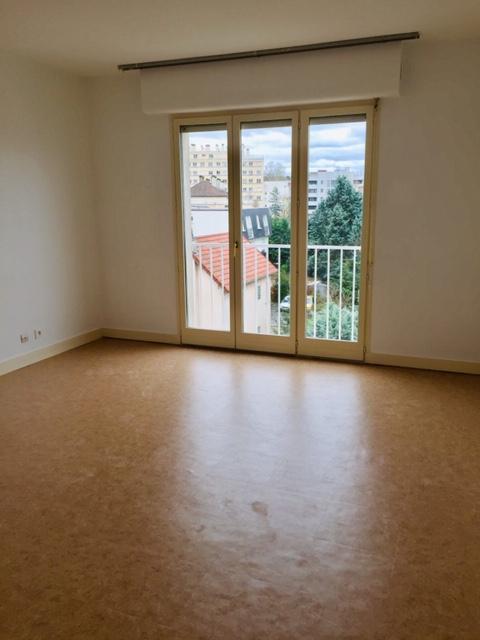 LIVRY GARGAN Appartement 1 pièce(s) 33 m2