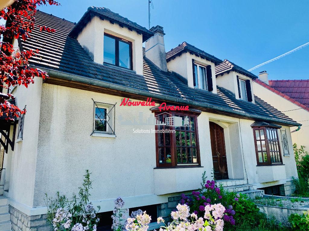Aulnay Sous Bois- Maison bourgeoise 6 pièces 150 m²