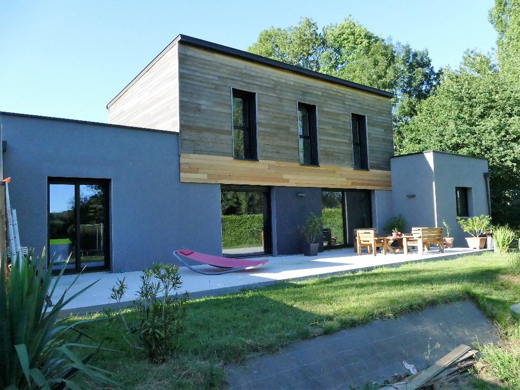 Maison SAINT-SENOUX - T5/6 170 m² - 1 582 m² de terrain