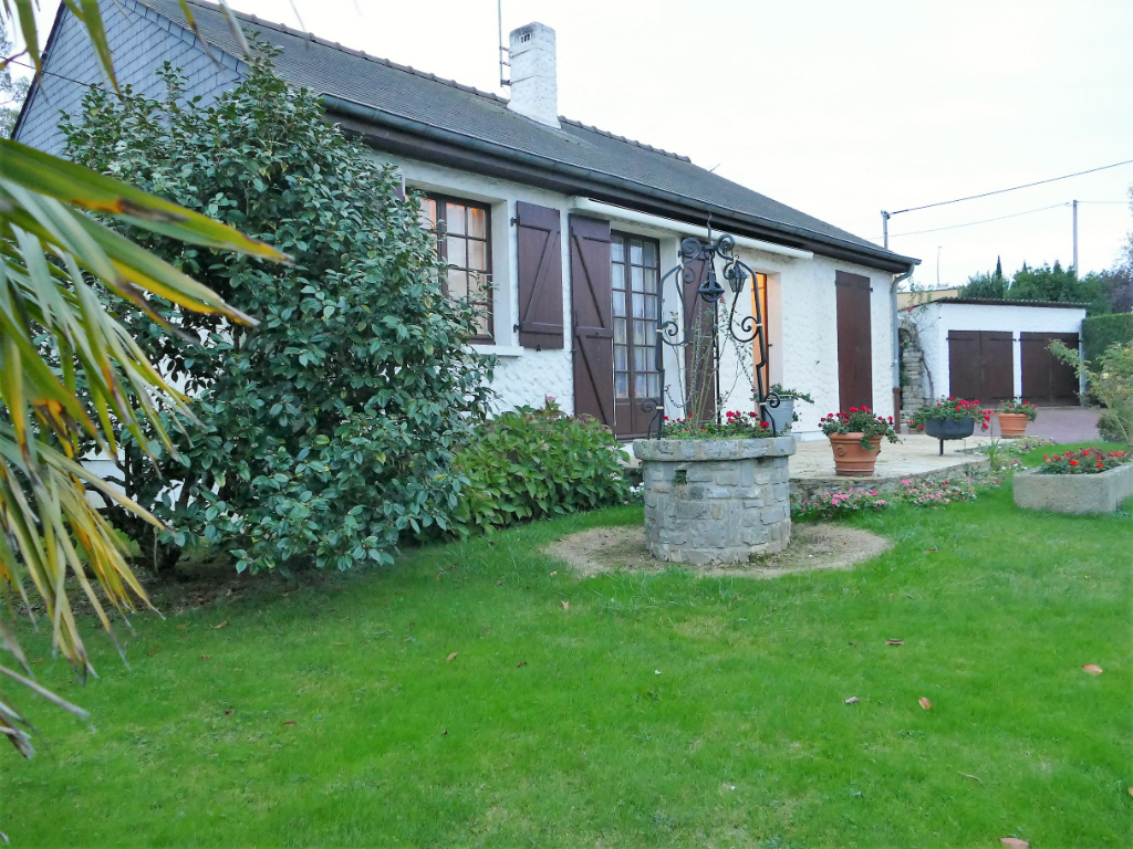 Hyper centre de GUICHEN - Maison T4 plain-pied 81 m² (+ 30 m² de véranda) - 1 000 m² de terrain (avec double garage)
