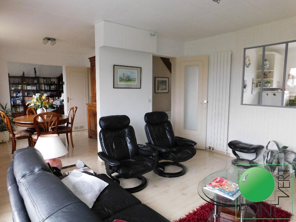 Maison  7 pièces 106.88 m2
