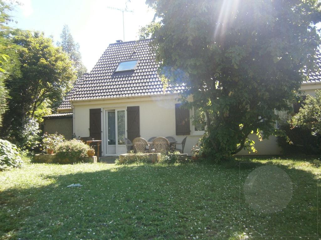 Maison à LA FERTE-ALAIS - 7 pièces - 128m²