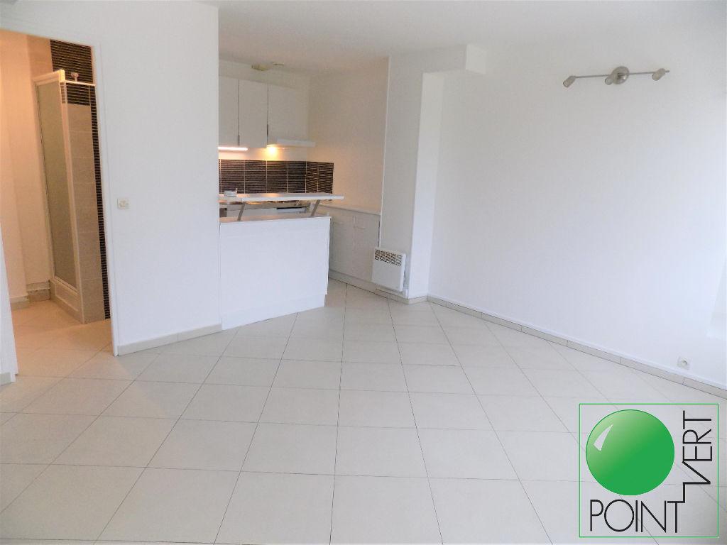 Appartement Ballancourt, 1 pièce(s) 26 m²