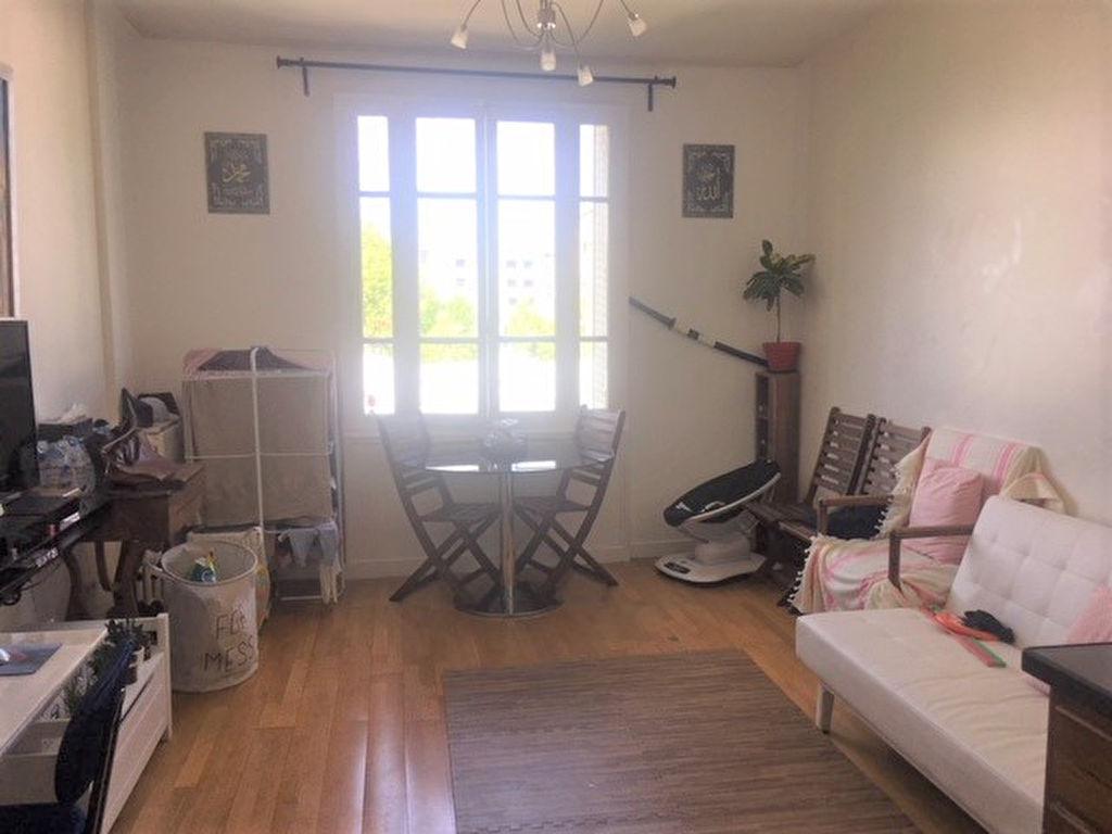Appartement 3 pièces 45 m2 Paris 19ème