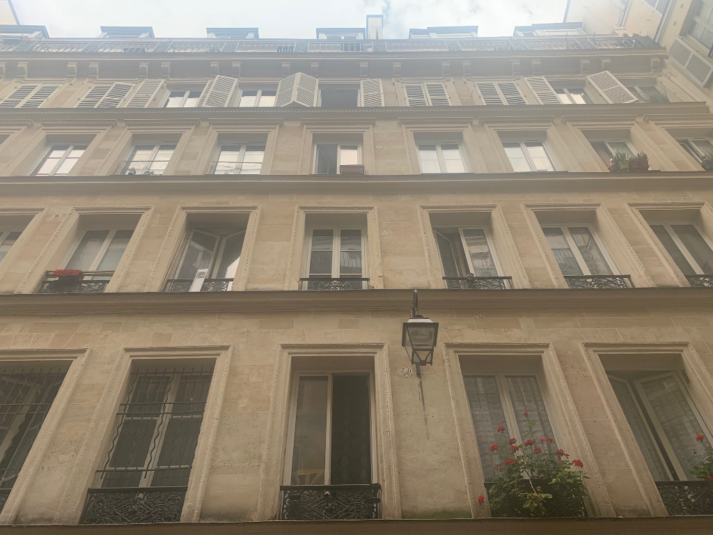 Studio 5.40 m2 Cité WauxHall 75010