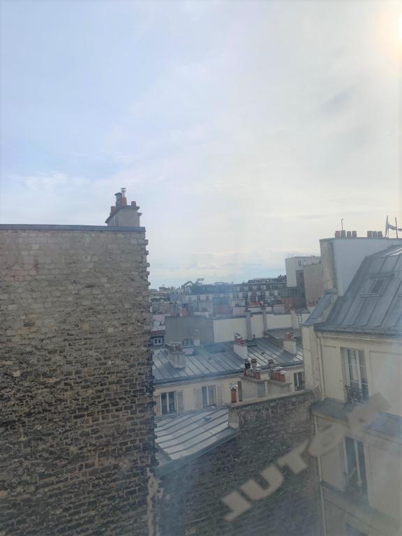 Studette 6m2 - Paris 10ème