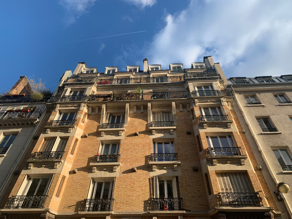 Studette 9 m2 Paris 10ème