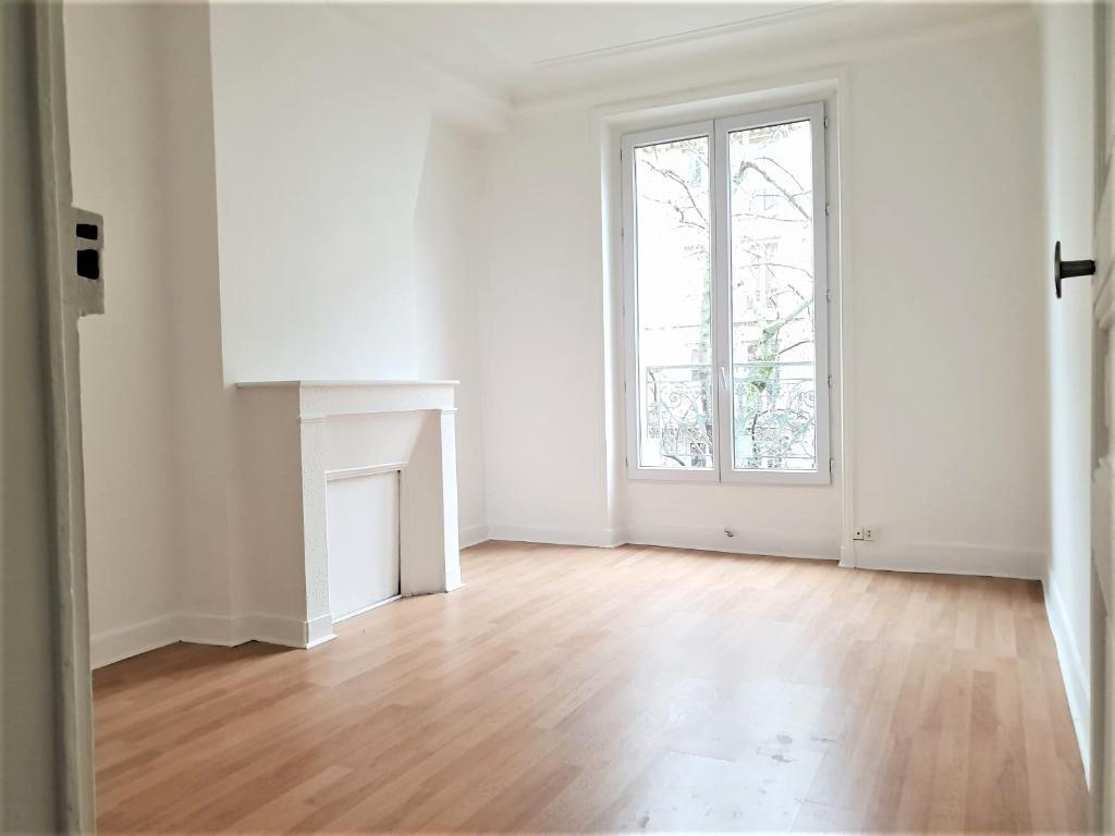 Appartement 2 pièces 29m² paris 18ème