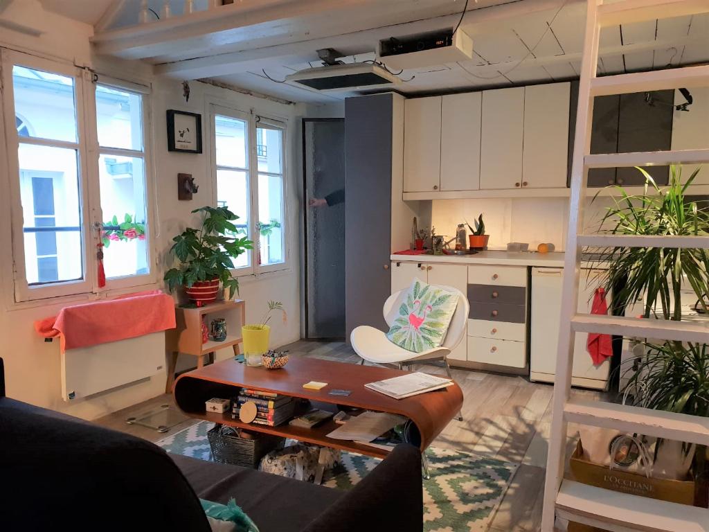 Studio + mezzanine de 25.36 m2 75001 Paris