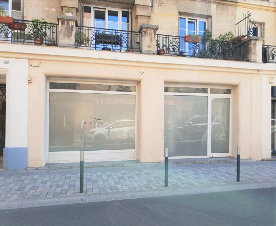 Local commercial 96m² 92600 Asnieres Sur Seine
