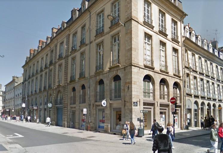 A LOUER APPARTEMENT MEUBLÉ STUDIO RENNES CENTRE 27m2    490€ CHARGES COMPRISES