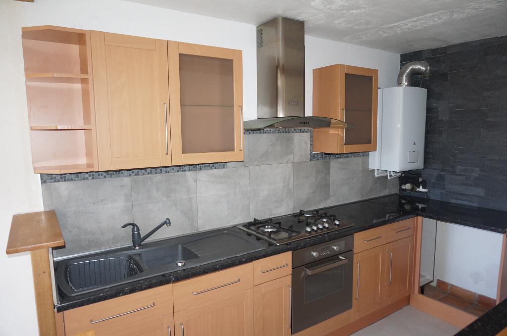 A vendre appartement  T3 de 65 m²  avec  balcon et véranda 13190 ALLAUCH