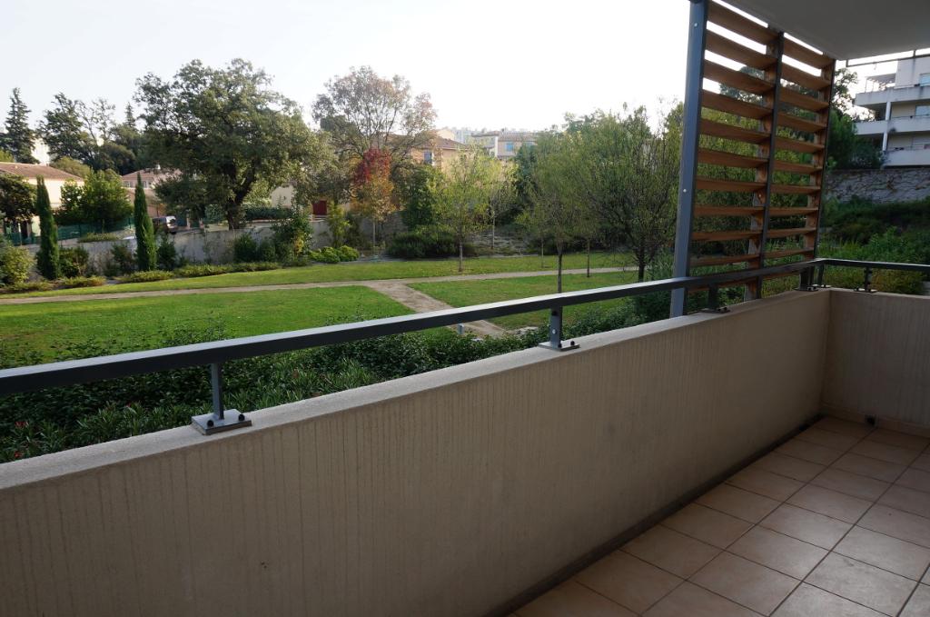 A vendre appartement de T3 avec terrasse dans résidence récente La Croix rouge 13013 Marseille