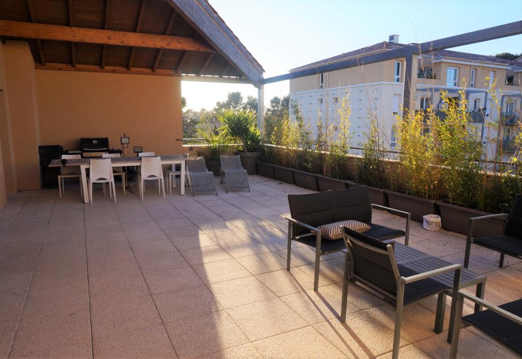 Appartement T5 de 108m² avec terrasse de 68m² en dernier étage Marseille 13012