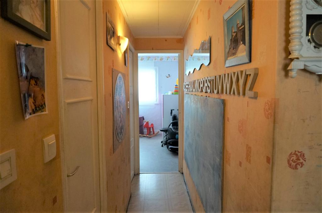 A Vendre appartement T3 de 57 m2 avec balcons  La Pomme 13011 Marseille