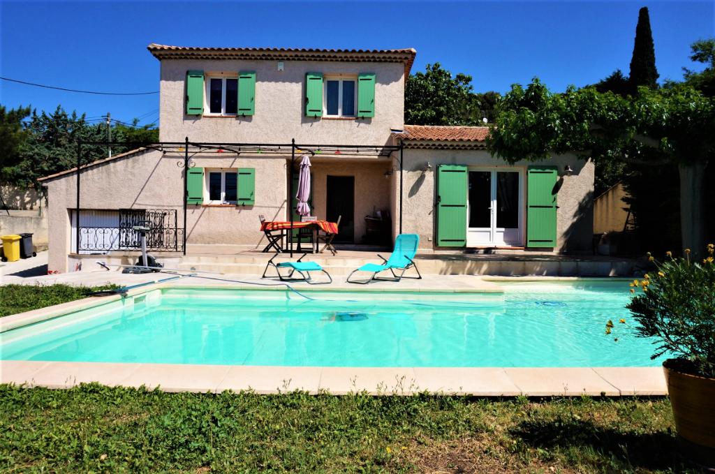 A vendre villa T5 de 122 m2  avec piscine au Logis Neuf Allauch