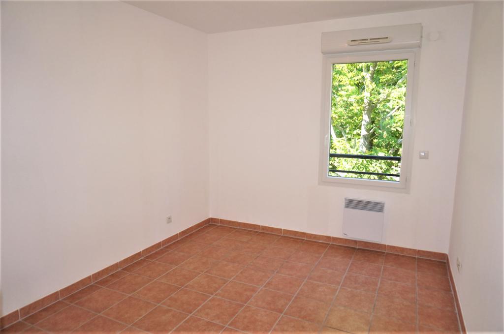 A vendre Appartement T3 de 76m2 avec belle terrasse 13013 Saint Mitre
