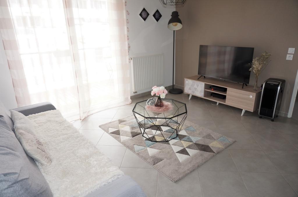 Appartement T2 de 44m² avec terrasse et stationnement dans une résidence récente secteur Trois Lucs 13012 Marseille