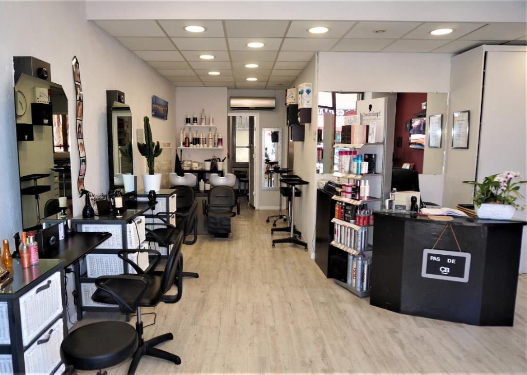 A vendre Fonds de commerce salon de coiffure et esthétique possibilité tous commerce 13011 Marseille