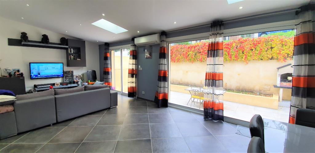 Appartement rez de jardin  T3 77 m2 secteur Lacordaire / Saint-Just Marseille 13013