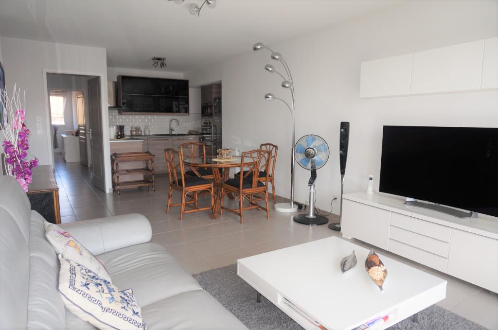 A vendre appartement T3 de 70m² avec terrasse et place de parking 13004 Marseille