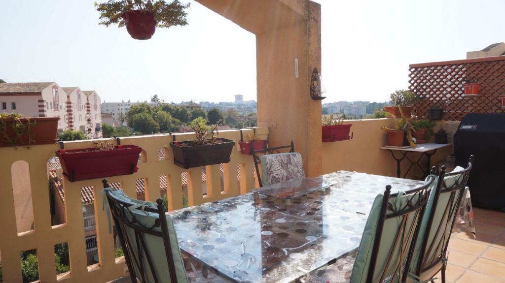 A  vendre appartement T5 en duplex de 108 m2 avec terrasse et garage 13190 ALLAUCH
