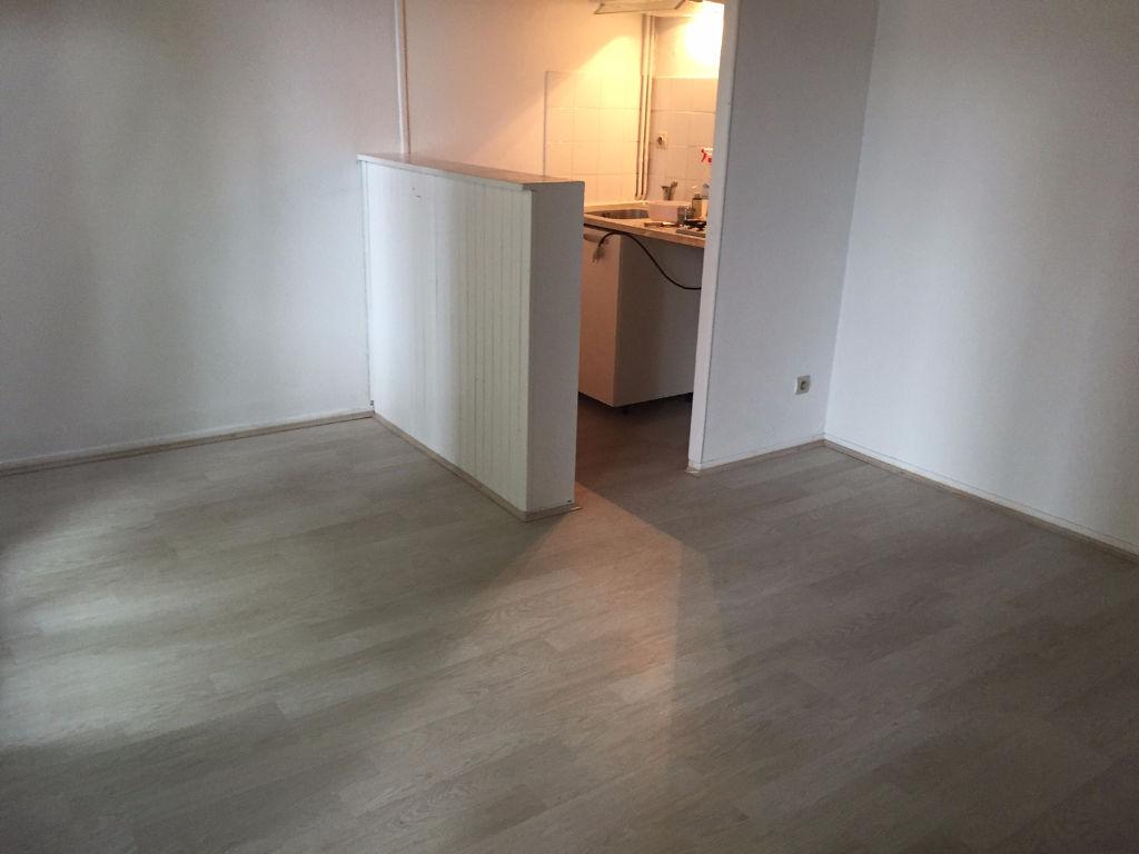 A LOUER TOULOUSE T2 Duplex de 32 m²  481,32 € CC