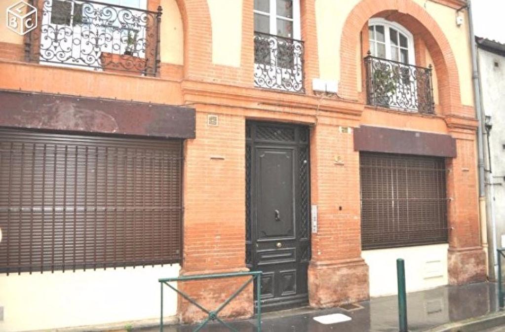 sT Cyprien Studio NON Meublé 21 m²  470 € cc