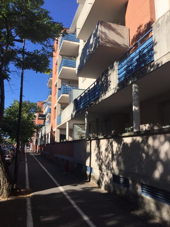 PATTE d'OIE / T3 65 m² 1 er étage 750€ cc