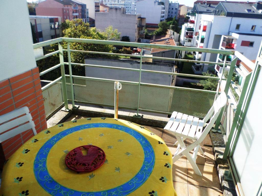 A Vendre Toulouse Patte d'oie a vendre T2 pièce(s) - 50m² Terrasse parking et cellier