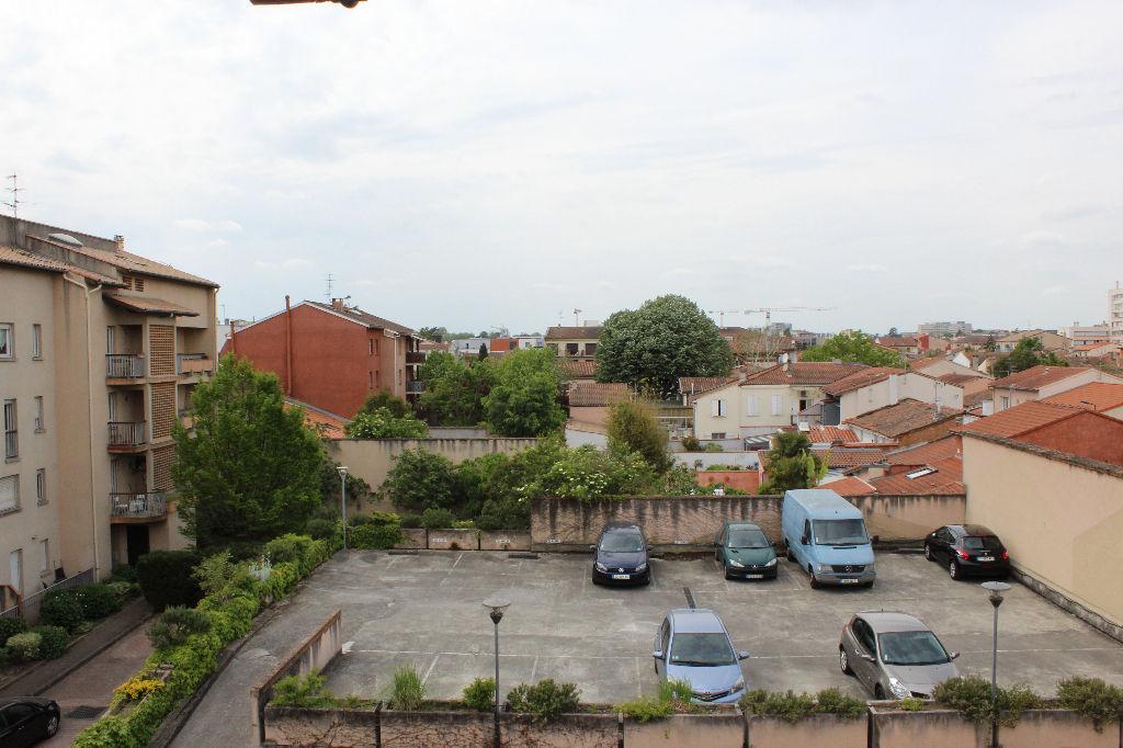 A Vendre TOULOUSE PATTE D'OIE : Duplex 100 m² hab env, balcon, loggia, parking et cave