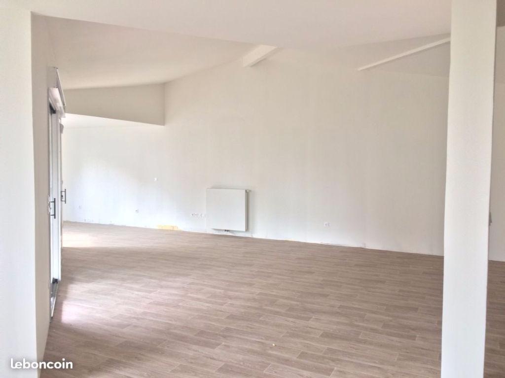 A VENDRE Appartement  3 pièce(s) 93,20 m2 patte d'oie au pied du metro