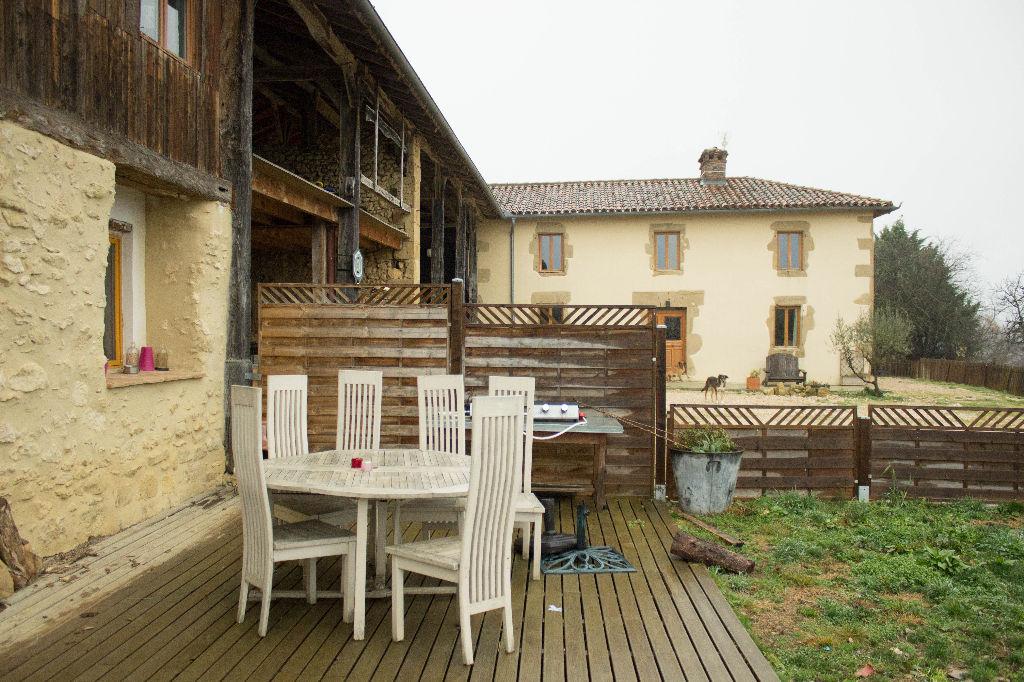 A vendre proche Boulogne sur Gesse : magnifique demeure de 260m² sur grand terrain, vue panoramique