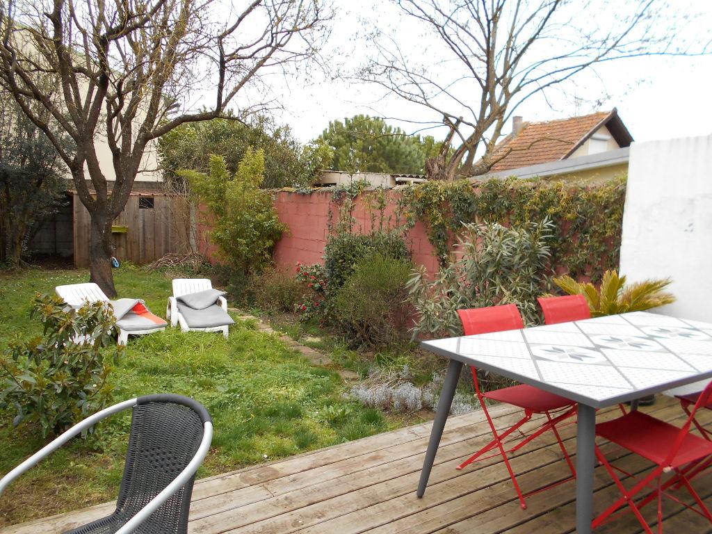 A VENDRE Véritable toulousaine de 1900, T6, 160 m² hab env, patio, terrasse, jardinet