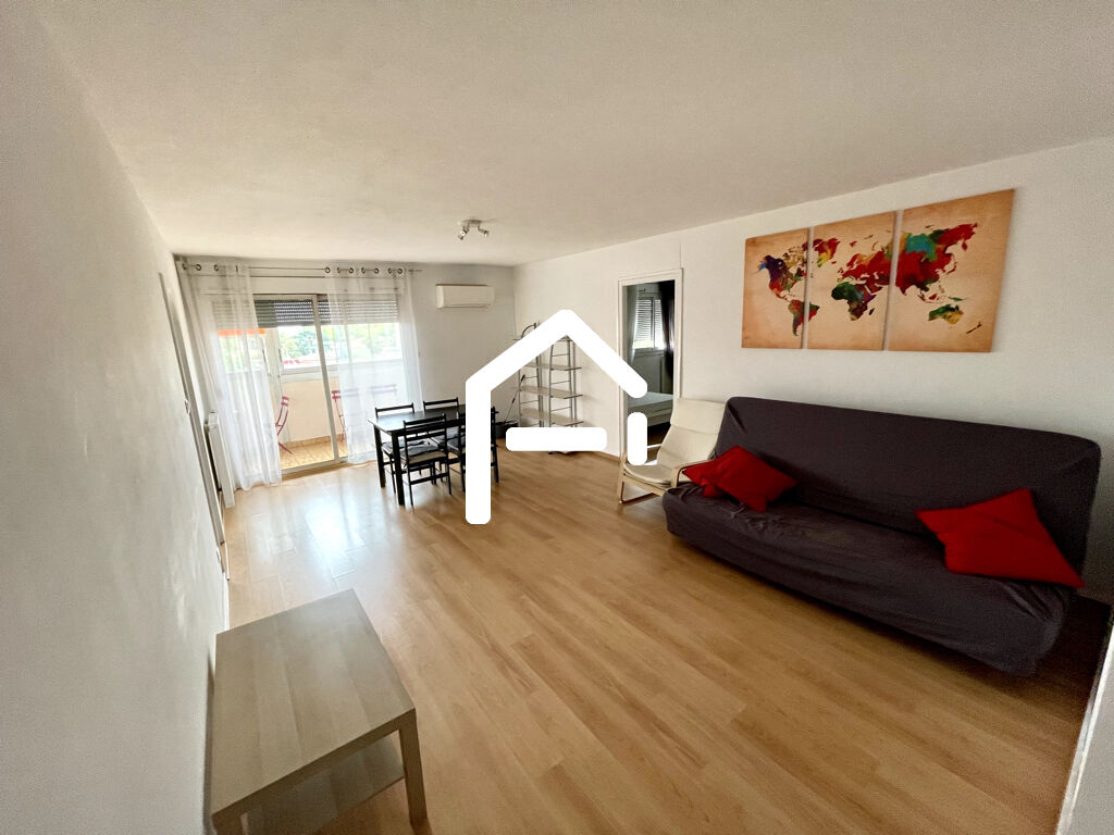 A VENDRE Appartement T4 91 m² hab, balcon en enfilade, parking et cave, résidence fermée