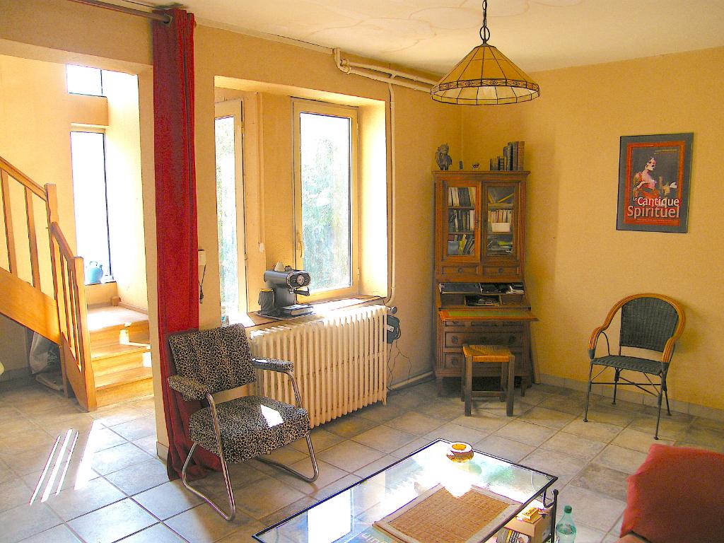 A VENDRE Maison T4 90 m² hab, garage, terrasse, parcelle 200 m² clôturée et arborée