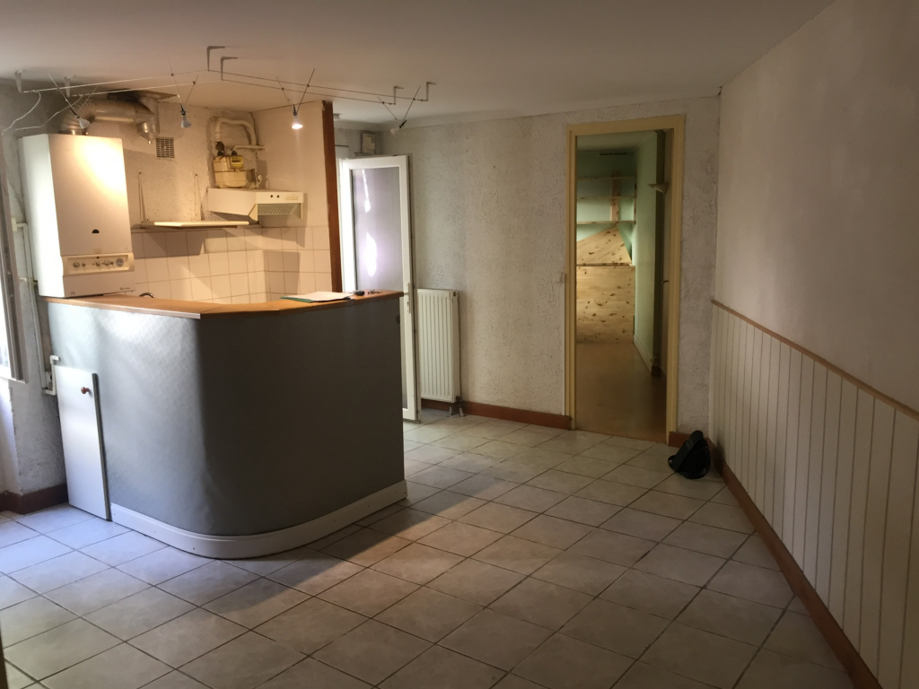 ST MICHEL T2 33 m²  rdc  490 €CC