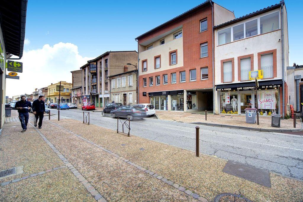 A VENDRE DUPLEX 95 m² hab, 3 chambres, séjour avec cuisine US aménagée, balcon, parking