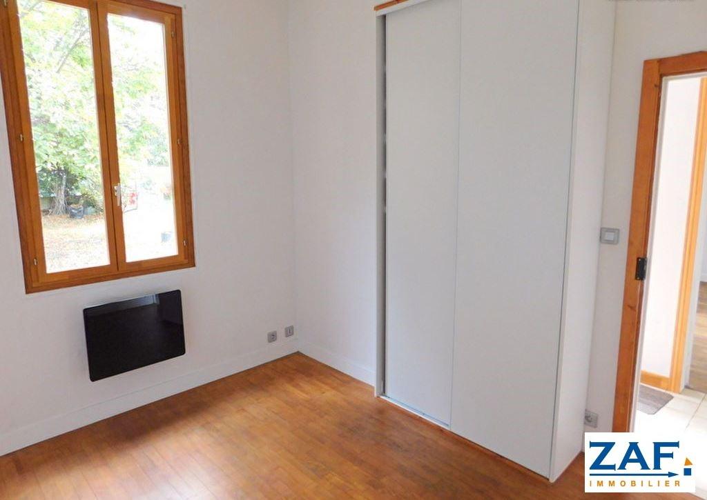 TOULOUSE RANGUEIL: Toulousaine de 55 m² hab env, T3, parcelle de 273 m²