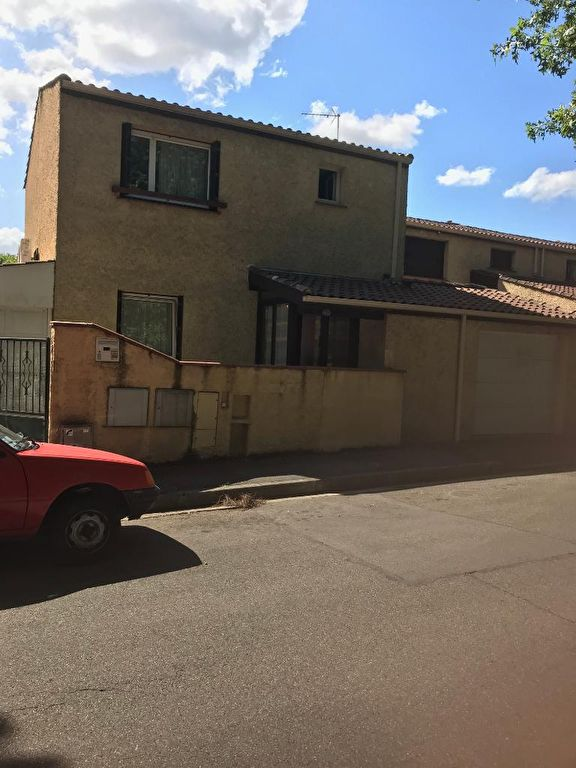 A VENDRE : Maison indépendante T4 90 m² hab, 2 garages, parcelle de 200 m²