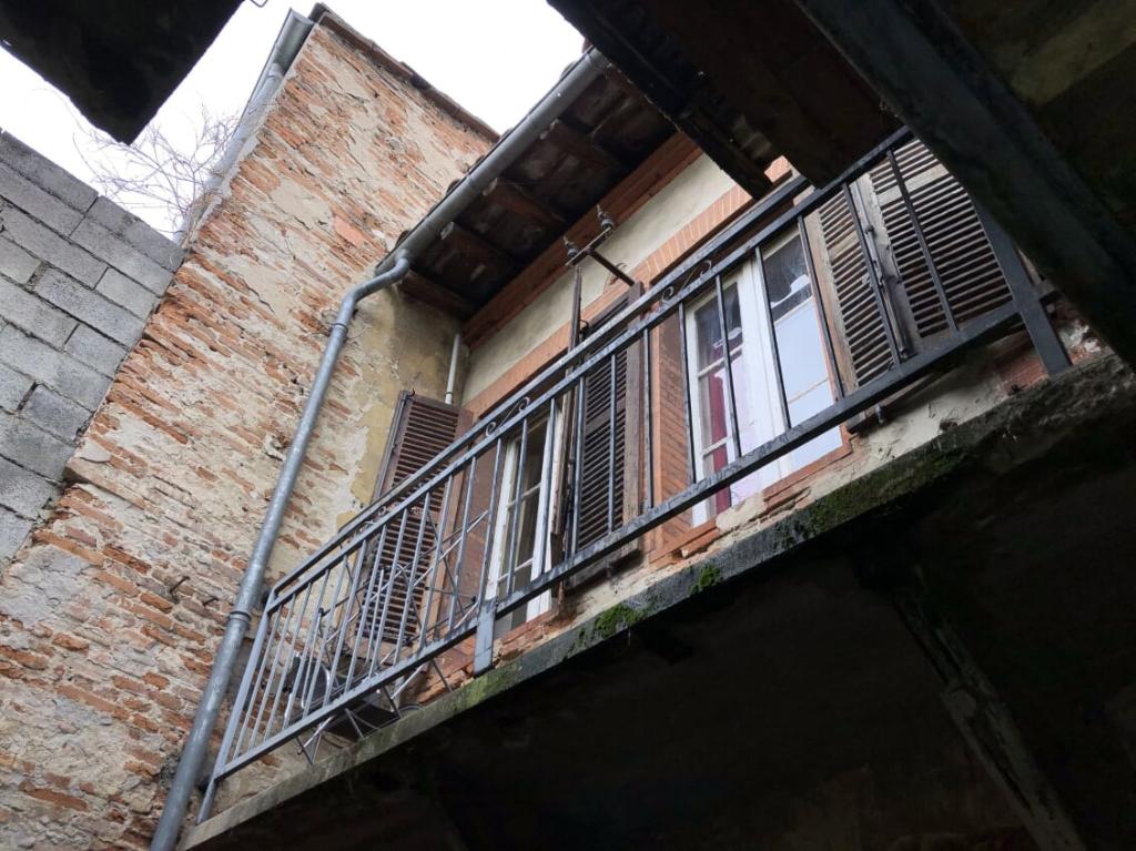 A VENDRE :  ST CYPRIEN Authentique toulousaine 90 m², cour intérieure à rénover